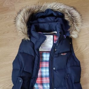 Hollister puffy vest